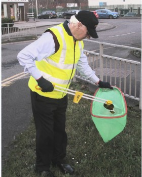 Litter Picker Heavy Duty With Curved Handle