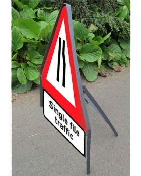 Road Narrows  'Nearside' Sign And Frame